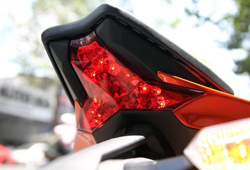 Kawasaki-Z1000-2014-1.jpg