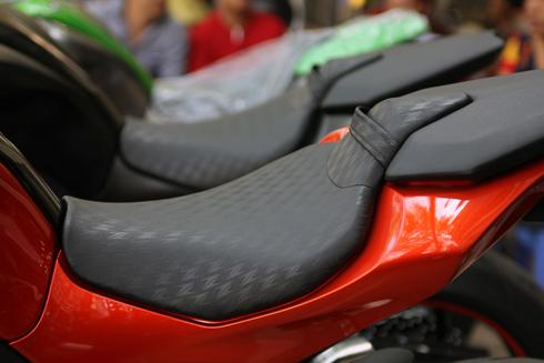Kawasaki-Z1000-2014-7.jpg