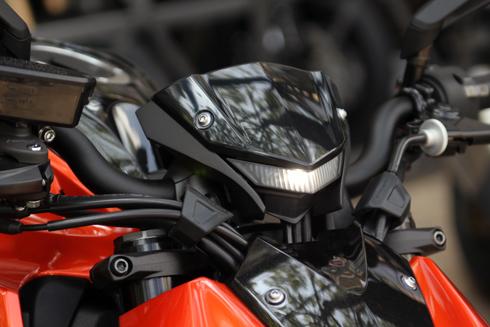 Kawasaki-Z1000-2014-8.jpg