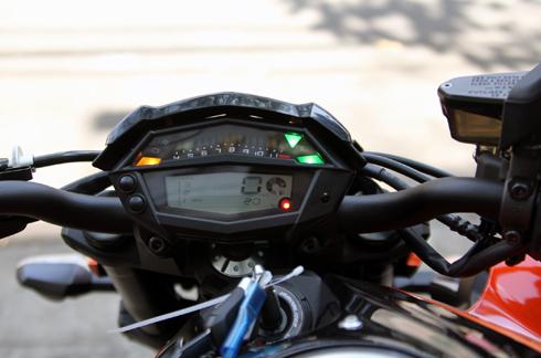 Kawasaki-Z1000-2014-9.jpg
