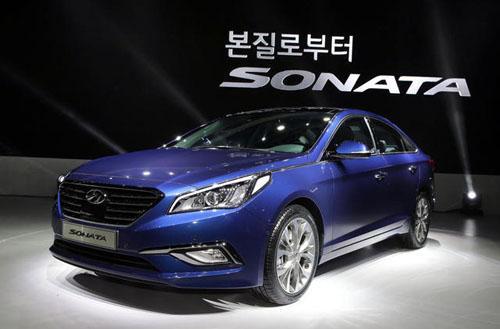 2015-Hyundai-Sonata-reveal-9510-13956356