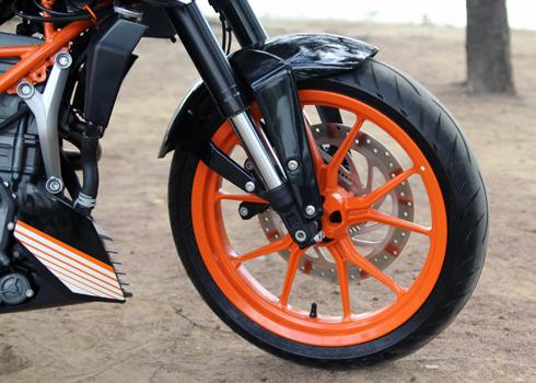 KTM-Duke-390-4.jpg