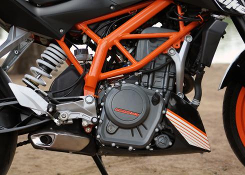 KTM-Duke-390-7.jpg