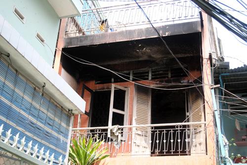 Anh em MC chết trong căn nhà bốc cháy