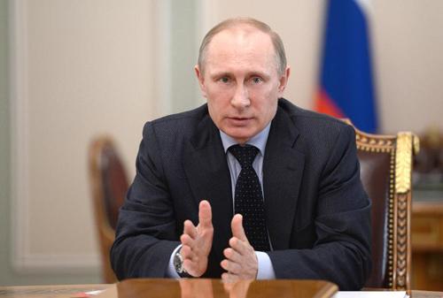 Putin goị điện cho Obama bàn về Ukraine