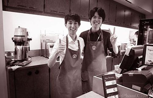 Người Nhật rất tốt và giúp đỡ tôi (ảnh, phải) tận tình vì tôi cố gắng. Mỗi tuần tôi chỉ làm khoảng 20 giờ là đủ sống. Ảnh: GIANG PHẠM