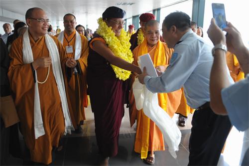 d9 3381 1396589634 Pháp Vương Gyalwang Drukpa rạng rỡ đến Việt Nam