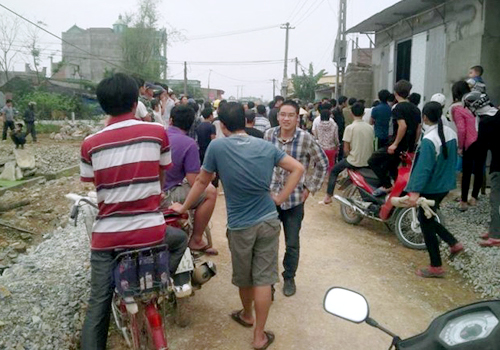 Hàng trăm người vây đánh nghi can trộm chó