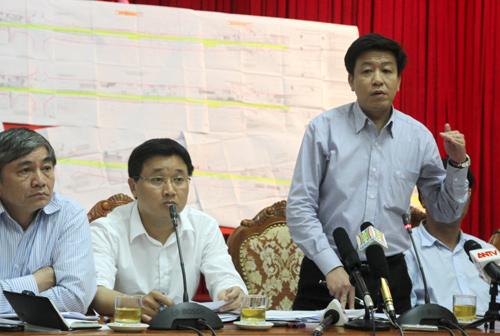 Ông Dương Quốc Tuấn, phó giám đốc phụ trách Sở Quy hoạch Kiến trúc Hà Nội cho rằng đường Trường Chinh mở rộng cong mềm mại và không ảnh hưởng đến các yếu tố kỹ thuật khác.Ảnh: Bá  Đô