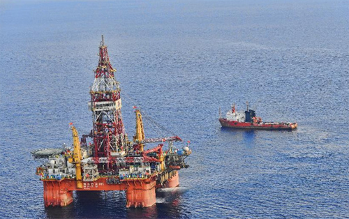 Dàn khoan HD-981 của Trung Quốc trên Biển Đông, tháng 5.2012 - Ảnh: Xinhua