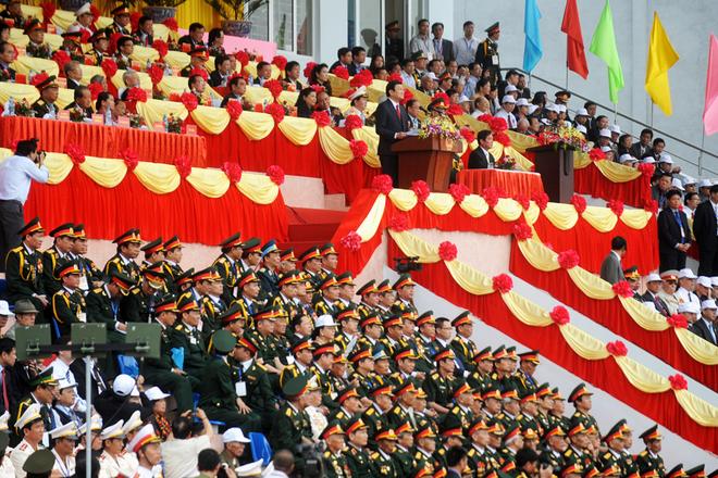 Lãnh đạo, nguyên lãnh đạo cao nhất của Đảng, Nhà nước, các cựu chiến binh cùng hàng vạn nhân dân tham dự lễ kỷ niệm. Chủ tịch nước Trương Tấn Sang đọc bài diễn văn ôn lại kỷ niệm hào hùng của dân tộc