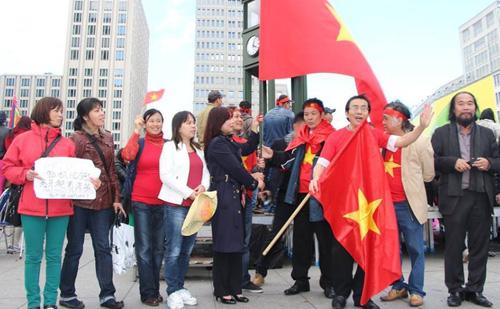 biểu tình chống Trung quốc tại Đức