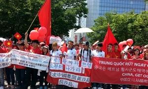 Người Việt ở nước ngoài tiếp tục tuần hành phản đối Trung Quốc
