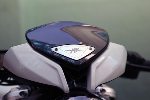MV-Agusta-800-2.jpg