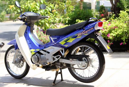 Suzuki-Sport-110-3.jpg