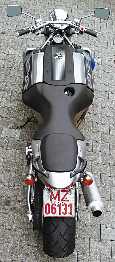 bmw-roadrunner-v8-3_1401789636.jpg