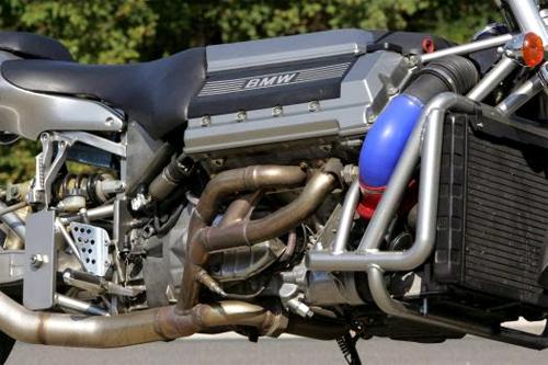 bmw-roadrunner-v8-6.jpg