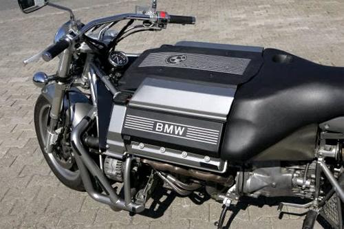 bmw-roadrunner-v8-7.jpg