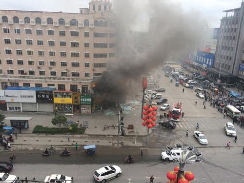 Nhà hàng ở Trung Quốc bị đánh bom