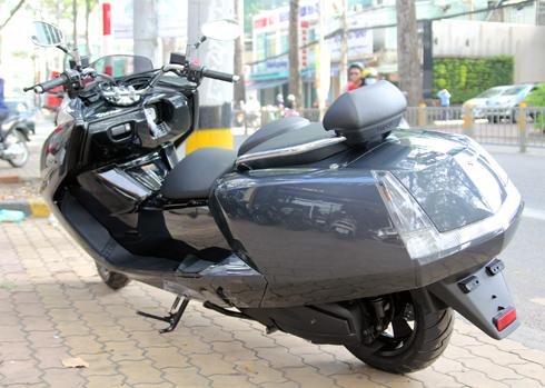 Yamaha-Maxam-2.jpg