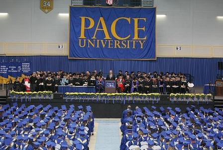 Đại học Pace tọa lạc ngay gần trung tâm tài chính khu Manhattan. Pace hiện có 12.700 sinh viên, trong đó có hơn 1.300 sinh viên quốc tế đến từ 93 nước trên thế giới.