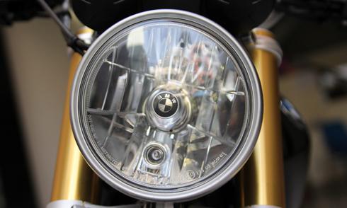 BMW-RnineT-10.jpg