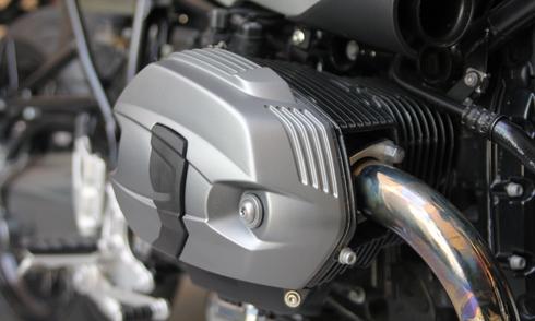 BMW-RnineT-9.jpg