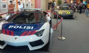 Cảnh sát Indonesia sắm bộ đôi siêu xe Lamborghini