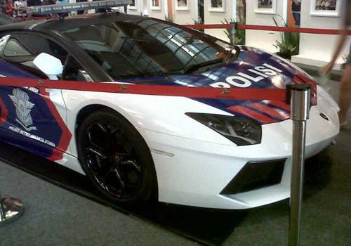 Lamborghini-Police-Cars-1-8614-140473473