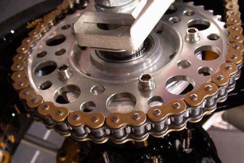 motorcycle-chain-3688-1404816303.jpg