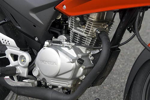Honda-CBF125-02.jpg