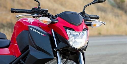 Honda-CB300F-9-2.jpg