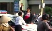 Thanh niên 'ngáo đá' trèo lên taxi tưởng tượng bị giết