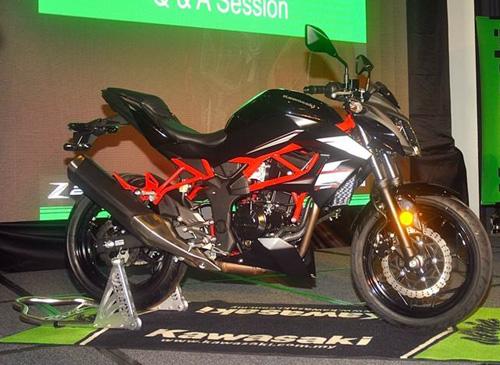 Kawasaki-Z250SL-Launch-05.jpg