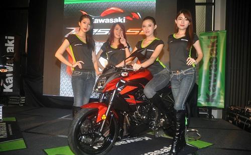 Kawasaki-Z250SL-Launch-11.jpg