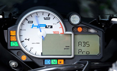 BMW-HP4-ABS-Pro-01-7148-1406089635.jpg