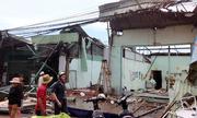 Lốc xoáy tàn phá hơn trăm căn nhà ở Cần Thơ