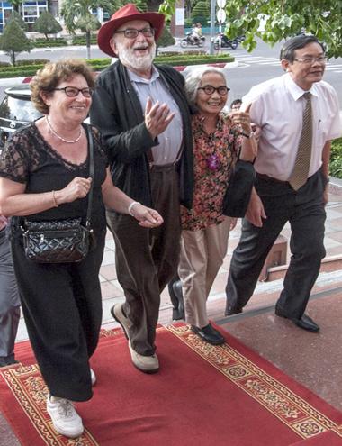 Nhà Vật lý đoạt giải Nobel 'Hạt của Chúa' đến Bình Định