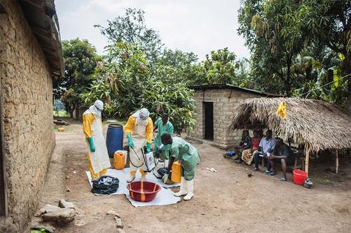 Hai vợ chồng 'sáng tác' tin đồn dịch Ebola bị phạt 20 triệu đồng