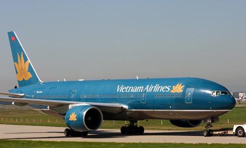 Hai phi công của Vietnam Airlines bị rút giấy phép bay
