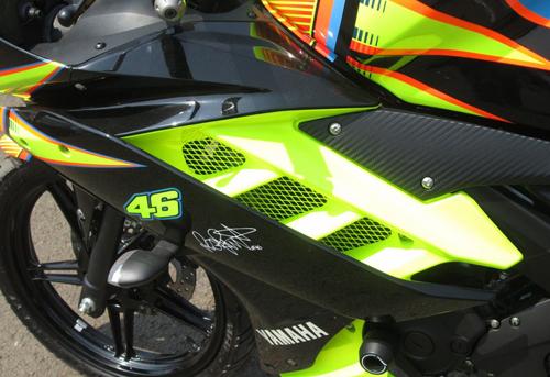 Yamaha-R15-Valentino-Rossi-027-5086-1408