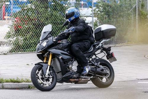 082014-spy-photo-2015-BMW-S1000-XR-06-58