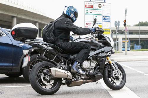082014-spy-photo-2015-BMW-S1000-XR-04-58