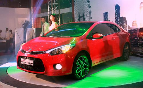 Kia Cerato Koup 2014 có giá 840 triệu tại Việt Nam