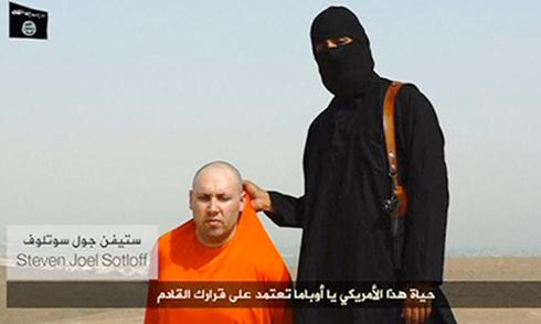 Mẹ nhà báo Mỹ cầu xin khủng bố thả con trai