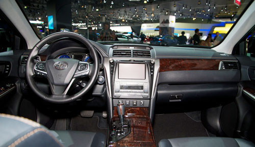 Toyota-Camry-2015-4-2979-1409293411.jpg