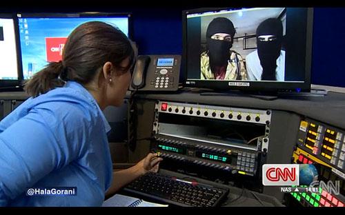 CNN PHỎNG VẤN TRỰC TUYẾN CHIẾN BINH HỒI GIÁO IS