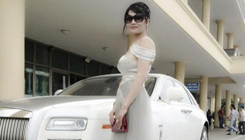 Bốn nữ đại gia Việt đi Rolls-Royce 'biển khủng' hot nhất ngày