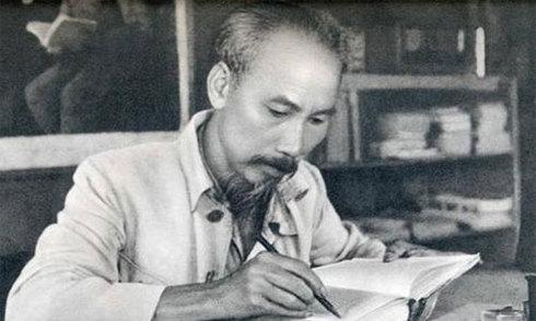 Những ngày viết tài liệu 'tuyệt đối bí mật' của Chủ tịch Hồ Chí Minh