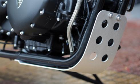 Triumph-10.jpg